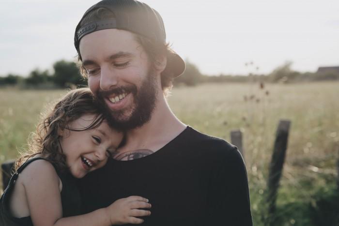 ¿Buscamos personas que se parecen a nuestros padres?